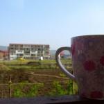 Prima dimineață în balcon și senzația de după