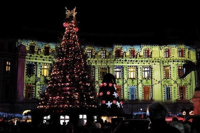image-2013-12-7-16154704-41-luminile-sarbatoare-din-bucuresti