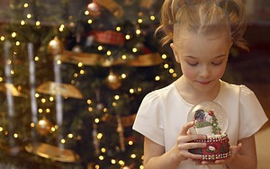 Family_Christmas_Celebration_FAN2019908s_300x300