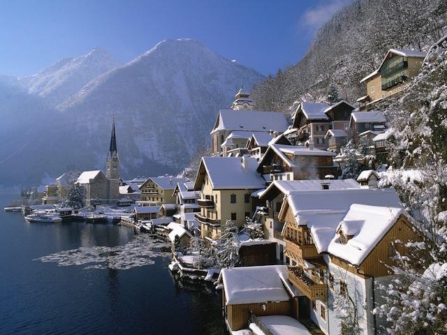 World_Austria_Hallstatt_in_winter_007837_
