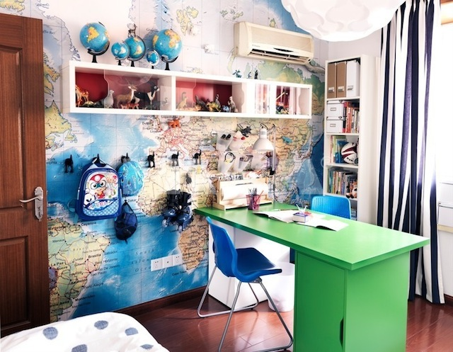 World-travel-themed-workspace