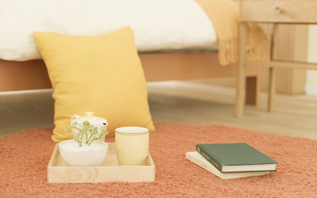 226316__mood-morning-bed-breakfast-cup-flower-book-pillow-wallpaper-photo_p